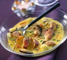 Cassolette of seafood with thermomix. I offer you a delicious recipe . Je vous propose une délicieuse recette… Cassolette of seafood with thermomix. I propose to you … - Cooking Chef, Cooking Time, Cooking Classes, Philadelphia Recipes, Homemade Buns, Good Food, Yummy Food, Shellfish Recipes, Fish And Seafood