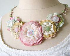Prohlášení náhrdelník, Fabric Flower náhrdelník, Nevěsta náhrdelník, Floral Bib náhrdelník, Unique Textilní šperky
