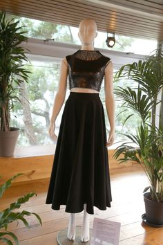 Crop top and skirt by Linda Friesen_ Fashionclash _ Cositas fashion blog