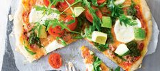 With this Margherita Pizza Recipe you can enjoy all the flavours of the Italian classic, the Margherita pizza in vegan form. Topped with tomatoes and basil and a creamy cashew ricotta this cheeseless pizza is sure to be a hit! Best Vegetarian Recipes, Vegan Dinner Recipes, Vegan Dinners, Raw Food Recipes, Spinach Tart, Vegan Pizza Recipe, Easy Vegan Dinner, Vegan Foods, Vegan Lunches