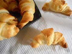 Mini croissant jambon/fromage – La Cuisine de Bulle Mini Croissants, Chorizo, Pie, Bread, Desserts, Food, Dinner, Quick Recipes, Greedy People