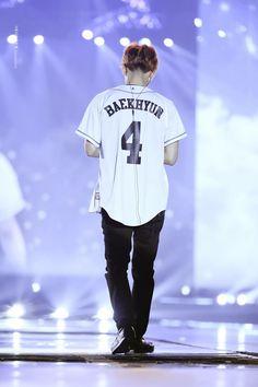 His back is sexy too Baekhyun Fanart, Kyungsoo, Exo Album, Kim Minseok, Exo Korean, Kpop Exo, Exo Members, Chanbaek, Exo Ot12