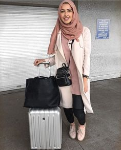 Chic Hijab Airport Outfit Ideas You Can Copy Muslim Fashion, Modest Fashion, Hijab Fashion, Fashion Outfits, Fashion Fashion, Fashion Ideas, Vintage Fashion, Casual Hijab Outfit, Hijab Chic