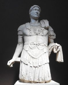 Emperor Hadrian, Troy (by Karen Barrett-Wilt) -- Statue of Emperor Hadrian, - Ancient Rome, Ancient History, Famous Greek Sculpture, Winged Victory Of Samothrace, Rome Antique, Roman Sculpture, Roman History, Roman Emperor, Greek Art