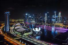 https://flic.kr/p/x12cA7 | Foreign country - 異国 | いつか異国の夜景スポットを訪れる旅をしてみたいですね。  SIGMA DP1 Merrill  #singapore #marinabay #architecture #singaporeflyer #シンガポール