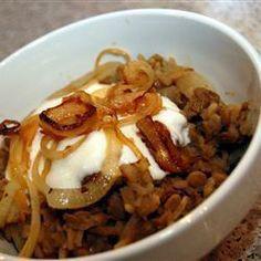 Arroz com lentilha e cebola frita (Mujadarrah) @ allrecipes.com.br