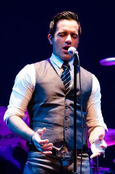 Ramin Karimloo singing Bring Him Home. Perfect Valjean.
