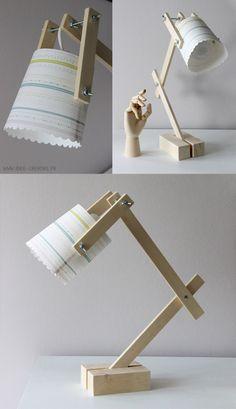 lampe pour enfant avec des tasseaux et un pot plastique (récup)