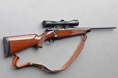 Browning A-Bolt Medallion Miroku, Reloading Bench, Assault Weapon, Bolt Action Rifle, Hunting Rifles, Cool Guns, Outdoor Survival, Guns And Ammo, Firearms