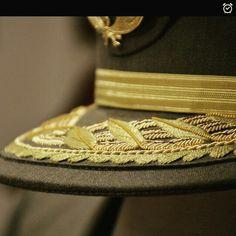 Gorra de un general del uniforme de gala del ejército de tierra