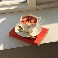 Korean Aesthetic, Aesthetic Colors, White Aesthetic, Aesthetic Food, Aesthetic Photo, Aesthetic Pictures, Fred Instagram, Red And Pink, Red And White