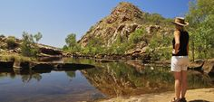 Working Abroad Australia hiking in the Outback