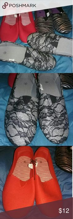 NEW Get 3 Pair Women's Size 8 Flats Get 3 Pair Women's Size 8 Flats Get Exact Ones Pictured  All Items NEW  Items Come From Smoke Free Pet Free Home  Check Out My Page To Save ** Shoes Flats & Loafers