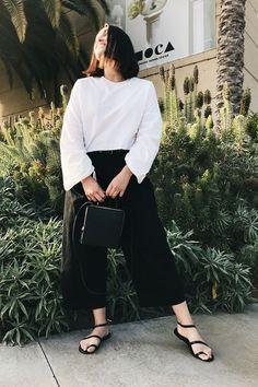 Tips For Understanding Women's Fashion Without You Hesitating! – Designer Fashion Tips Womens Fashion For Work, Fast Fashion, Fashion Outfits, Fashion Tips, Fashion Design, Fashion Edgy, Feminine Fashion, Fashion Fall, Fashion Photo