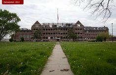 Abandoned Detroit.  Paul Robeson Academy.  Detroiturbex.com - Schools
