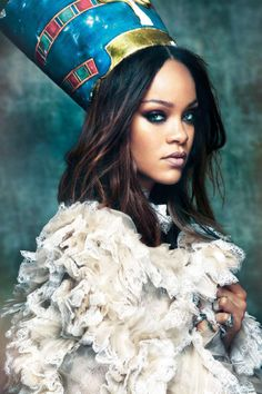 Rihanna Channels Queen Nefertiti As Cultural Appropriation Cries Mount Against Vogue Arabia - November 2017 Rihanna Thick, Best Of Rihanna, Mode Rihanna, Rihanna Riri, Rihanna Style, Rihanna Face, Foto Twitter, Rihanna Vogue, Divas