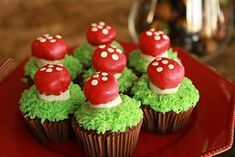Woodland Party Woodland Party & Out in the Woods Forest Party Theme Ideas & Party Ideas The post Woodland Party & Random Stuff appeared first on Forest party theme . Woodland Party, Forest Party, Woodland Theme, Forest Cake, Fairy Cupcakes, Cute Cupcakes, Amazing Cupcakes, Themed Cupcakes, Hedgehog Cupcake