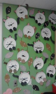 My Classroom's Wall Art (Cat and Mouse Games)