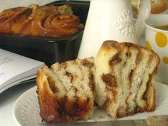 Kysnuté koláče s jablkami a orechami | Míniny recepty Czech Recipes, Sweet Desserts, Desert Recipes, Banana Bread, Food To Make, French Toast, Recipies, Food And Drink, Cookies