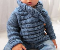 Tutorial para hacer una chaqueta de #bebe de #punto Baby Patterns, Knitting Patterns, Sewing Patterns, Knitting For Kids, Baby Knitting, Couture, Knit Cardigan, Weaving, How To Make