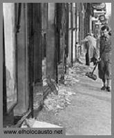 La Noche de los Cristales Rotos o Kristallnacht - Historia Virtual del Holocausto