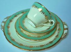 Katies Vintage Teacup Company Tea Parties - Events - Weddings - Gifts Collectors - Replacement China - Theatre/Film Props China Match - China Search  We sell - China, crockery, crystal, glass, antiques, lace and many more Vintage - Collectible Items. We Ship Worldwide and have an