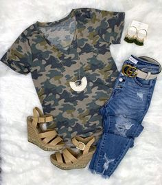 Casual in Camo Top - Light – privityboutique    #streetstyle #cozy #casualstyle #ootdfashion #style #ootd #summerfashion #flannel #blogger #travel #vacationstyle #fashionlover #fashionblogger #summerstyle #boutiquefashion #womensfashionoutfit #summeroutfit #dress #layeringdress #casualstyle #casualfashion #joggers #comfyoutfit #kimono #swimwear #homefashion #summervibes #womensfashion #onlineshopping #onlineboutique Rustic Outfits, Casual Outfits, Summer Outfits, Country Chic Outfits, Simple Outfits, Camo Tank Tops, Camo Top, Camo Fashion, Unique Fashion