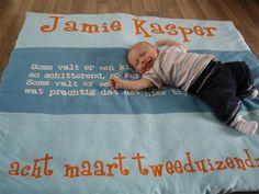 Jamie op z'n geboortekleed