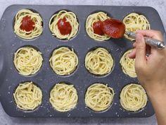 Warm, cheesy and delicious handheld spaghetti. A fun twist of classic spaghetti and meatball recipe. Great for parties! Spagetti And Meatball Recipe, Baked Spagetti, Baked Spaghetti And Meatballs, Baked Meatball Recipe, Ww Recipes, Pasta Recipes, Cooking Recipes, Recipies, Bite Size Appetizers
