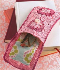 Granny Squares from KnitPicks.com Knitting by Stephanie Gohr, Melanie Sturm & Barbara Wilder; one of the many nice patterns