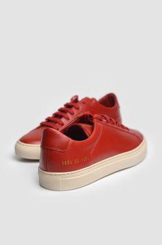COMMON PROJECTS 1854 Original Achilles Vintage Low Red Sneakers.  Espadrilles Rouges ef639c0c3e4