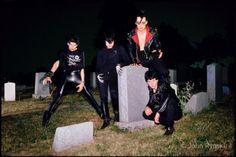 Misfits (with Glenn Danzig) Music Love, Rock Music, My Music, Punk Rock, Misfits Band, Angsty Teen, Danzig Misfits, Glenn Danzig, Samhain
