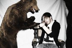 """""""Papa sagte: Sohn, nimm ein Gewehr. Mal bist du der Jäger, mal bist du der Bär. Doch wenn du Bär sein musst, um Gottes Willen, dann kämpf! - Und ich bin Grizzly jetzt."""" <3  Benjamin Griffey aka Casper (Germany)"""