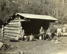 Adirondack Museum : photo of campers in a leanto.