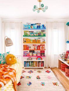 Playroom Decor, Kids Decor, Diy Home Decor, Second Hand Furniture, New Furniture, Skandinavisch Modern, Deep Shelves, Rainbow Nursery, Room Goals
