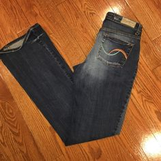 Arizona Jeans size 8 long  I bought this overseas, so the tag says size 76, which is 8 long over here. Worn a few times. No stains, rips or holes. Great condition. Smoke and pet free home. Arizona Jean Company Jeans Boot Cut