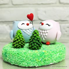 Cute Owl Cake Toppers - make it out of icing and turn one into a cat and its the owl and the pussycat