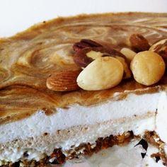 Herfsttaartje - Een heerlijke cheesecake met een krokante speculaasbodem en een vulling van vanille. Daarbij een topping van sappige handpeertjes. - Miss Glutenvrij