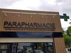 Enseignes pour la Pharmacie des Platanes Saint Paul Trois Chateaux, Rhone, Broadway Shows, Applique Letters, Optician