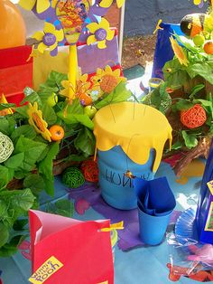 winnie the pooh birthday party table decorations