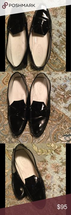 Tods  patent shoes Tods patent driving shoes size 40 worn on bottom on side of each shoe in back some scuffs also see photos please ...price reflects worn on shoes Tods Shoes Flats & Loafers