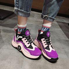ストリート系厚底目立つファッション韓国風スニーカー