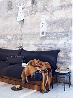 Wood plank box with king sized pillows and couch cushions - this could be my new daybed :)
