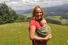 Minimonkey Sling Unlimited, can be used as of newborn baby's. Baby carrier, babysling. Picture made by Mateja Mazgan