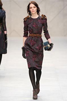 Burberry Fall 2012 Ready-to-Wear Fashion Show - Kinga Rajzak