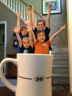 so sweet i dunked them in my coffee .... hhhmmm - fun kid photo ideas are coming to me ..... cakes, presents, ...