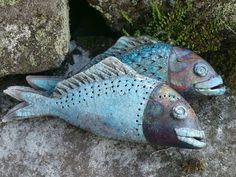 Inspiration for polymer clay. Raku Pottery, Slab Pottery, Fish Sculpture, Pottery Sculpture, Ceramic Animals, Clay Animals, Clay Fish, Carpe Koi, Hand Built Pottery