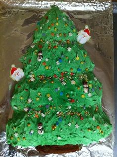Christmas Tree Chocolate cake decorated with buttercream Christmas Tree Chocolates, Chocolate Cake, Cake Decorating, Cakes, Desserts, Food, Chicolate Cake, Tailgate Desserts, Chocolate Cobbler