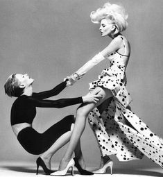 One of the best shoots of two models together ever!! Richard Avedon for Versace, 1995. #highfashionphotography,