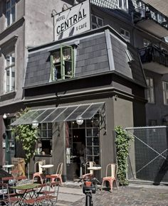 A világ legkisebb szállodája, egy szoba kiadó. :)